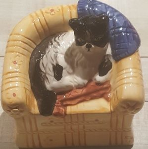 Kitty in couch vintage ceramic figurine